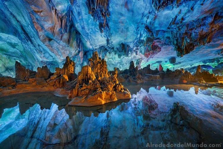 las cuevas más Impresionantes del mundo !!
