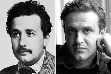 2 Jason Segel looks like a young Albert Einstein