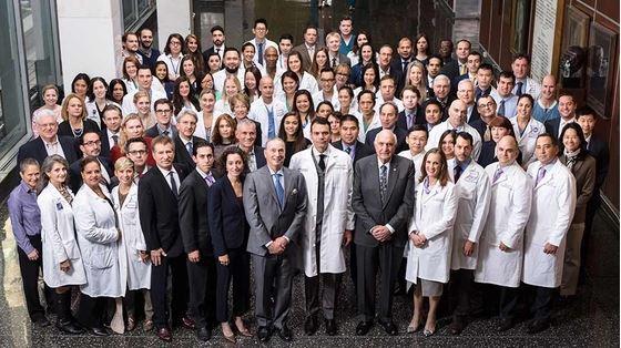 Crédito de la imagen El gran equipo que trabajó más de 26 horas para realizar el procedimiento. NYU Langone Medical Center.