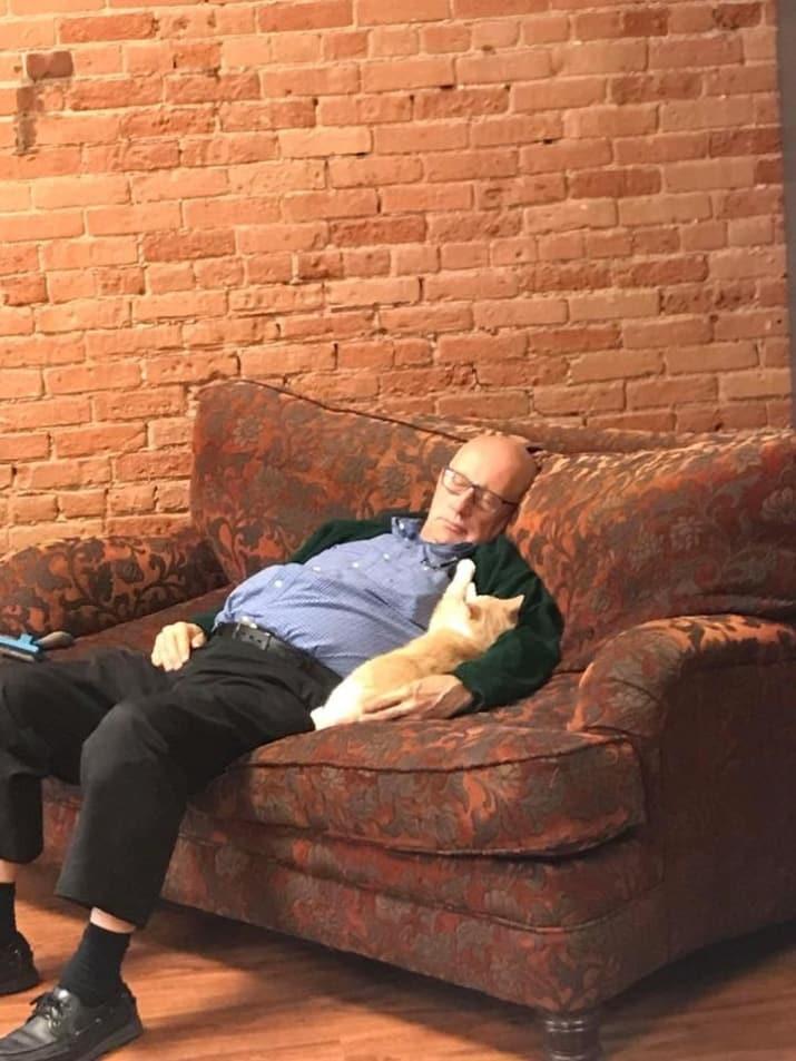 abuelo gatos alrededordelmundo 3
